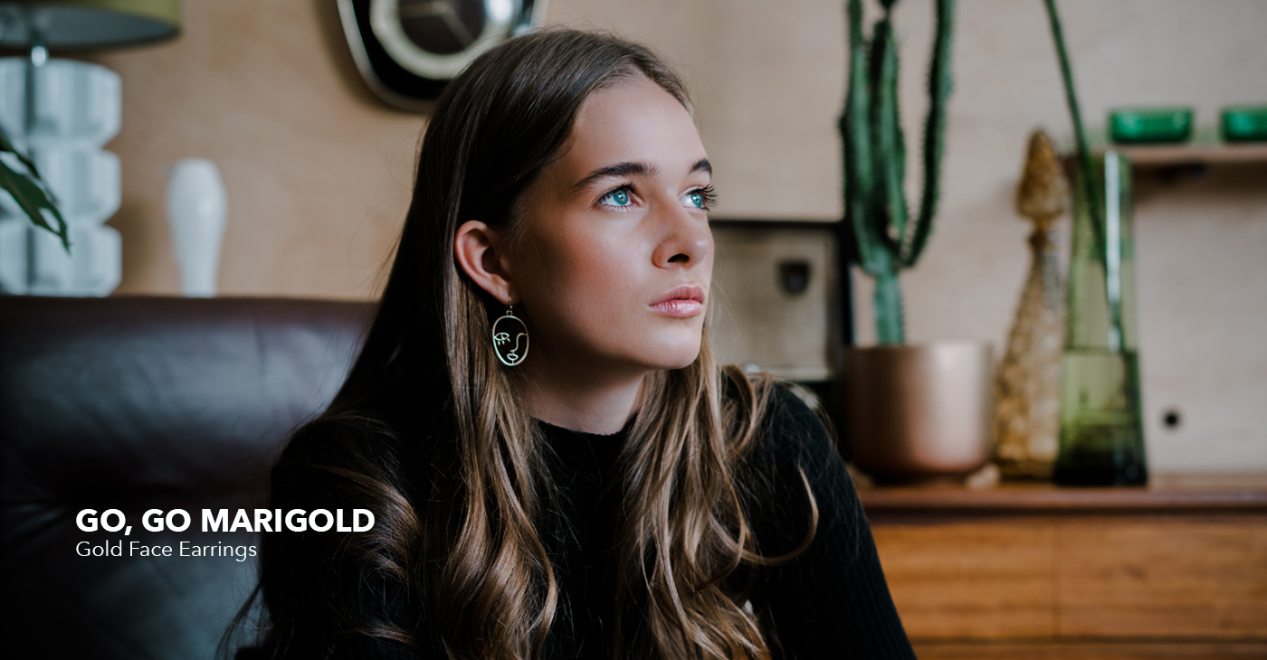 GO, GO MARIGOLD Gold Face Earrings